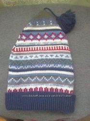 Двойная шапка с орнаментом для девочки