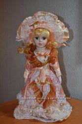 Продам фарфоровою куклу