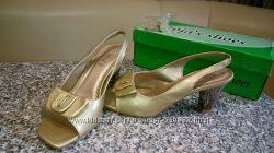 красивые туфли р. 36 стелька 23, 5см