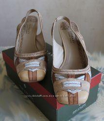 Классные кожаные туфельки для стильной и красивой