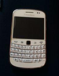 Срочно продам blackberry bold white 9900