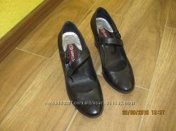Продам строгие и очень удобные кожаные туфли