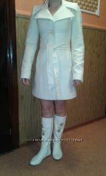 Пальто деми молочного цвета