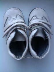 Красивые туфельки 25р
