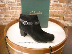 Продам женские ботинки полусапожки замш Clarks US 9. 5 - 27 см