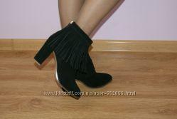 Шикарные стильные ботиночки с бахрамой ASOS 39 размер