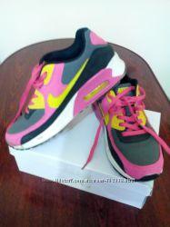 Кроссовки Nike 40 размер по стельке 26, 5см.