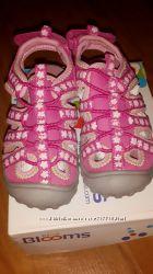 Фирменная обувь OshKosh на девочку