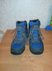 Демисезонные термо-ботинки Jack Wolfskin 34 размер для мальчика