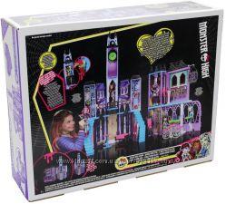 Наличие монстер хай высшая школа Monster High Deluxe High School Mattel