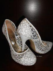 Ажурные женские туфли для особого случая 39 размер