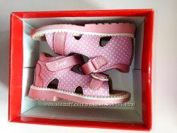 Босоножечки фирмы Lapsi для девочки