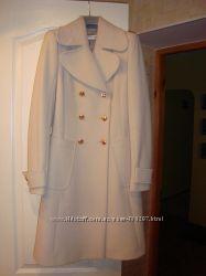 Продам пальто осеньвесна р. 36