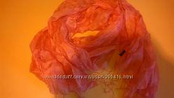 красивый нарядный воздушный шарф Motivi