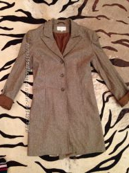 Легкое шерстяное пальто-жокей H&M. Размер S. В идеальном состоянии.