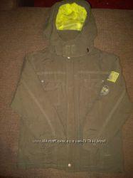 Курточка на рост 110 TOPOLINO цвета хаки в отличном состоянии