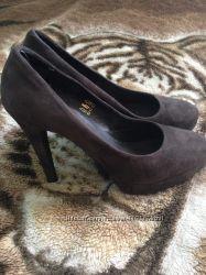 Туфли туфлі 39 размер новые.