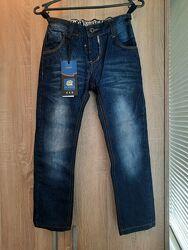 новые джинсы на мальчика на рост 128