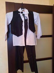 Продам костюм джентельмена на рост 110