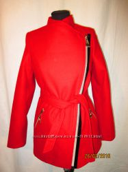 Яркое красное пальто по суперцене