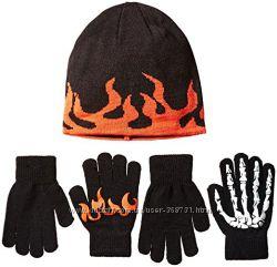 Children&acutes Place Шапка и 2 пары перчаток для мальчика 8. США.