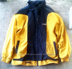 Продам двухстороннюю куртку ветровка на флисе
