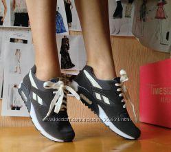 Модные кроссовки 36, 5-37 размер НОВЫЕ