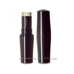 Светоотражающий тональный крем-карандаш Shiseido Stick Foundation