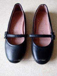 Очень качественные фирменные туфли  NEXT Р. 5.  Стелька 24, 5см
