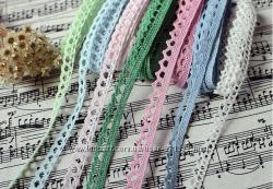 кружево лента с помпонами разные цвета для рукоделия, шитья