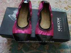 Продам балетки GEOX р. 31 стелька 19 см в новом состоянии