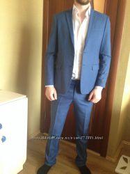 Стильный нарядный мужской костюм