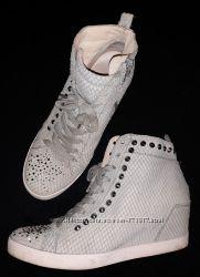 Серые, дымчатые ботинки, сникерсы, Италия, кожа, стразы Сваровски р. 37, 38