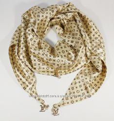 Стильный платок, косынка Louis Vuitton золотистый, атлас