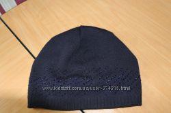 продам шапку на зиму темно синего цвета  на флисе и с камушками
