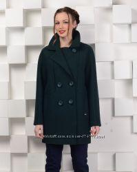 Новое пальто модного покроя