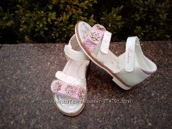 Босоножки для девочки Том м размер 26, 27, 29  розовые с белым