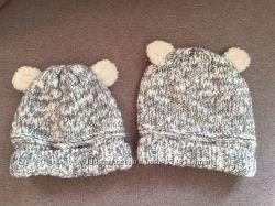 Комплект шапочек Zara для дочки и мамы недорого