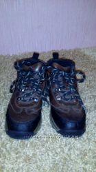 Продаются демисезоние ботинки на мальчика размер 29