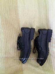 Туфли черные школьние для мальчика размер 30. 5 Stride rite