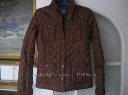Стильная стеганая курточка