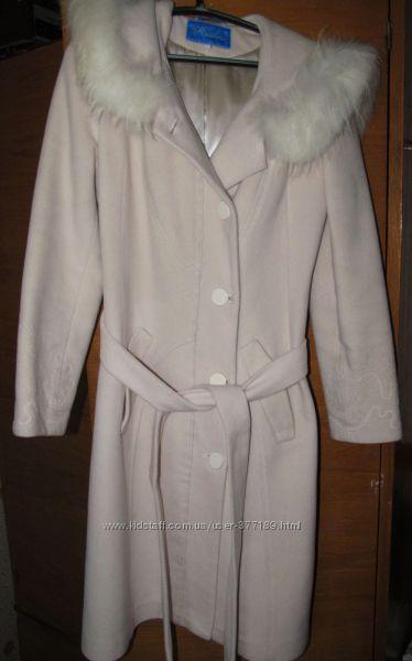 Зимнее кашемировое пальто тмRaslov с песцом