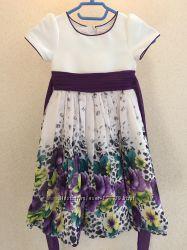 Продам нарядные очень красивые платья на девочку