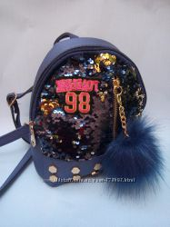 Блестящий рюкзак с пайетками