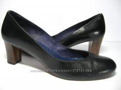 Фирменные кожаные туфли. Испания.