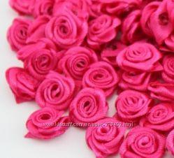 мини роза из атласной ленты, за 10 штук, в 2х цветах. распродажа