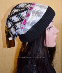 Яркая модная теплая вязаная шапка