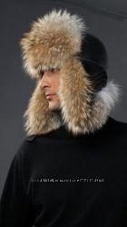 Зимняя мужская шапка с мехом енота
