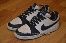Кожанные кросы Nike состояние новых