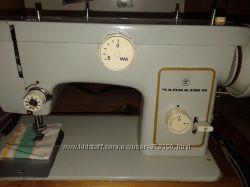 Электрическая швейная машинка Чайка 132М